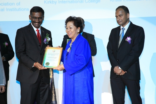 National Outstanding Educator Award 2015 College category To WIM's Chairperson